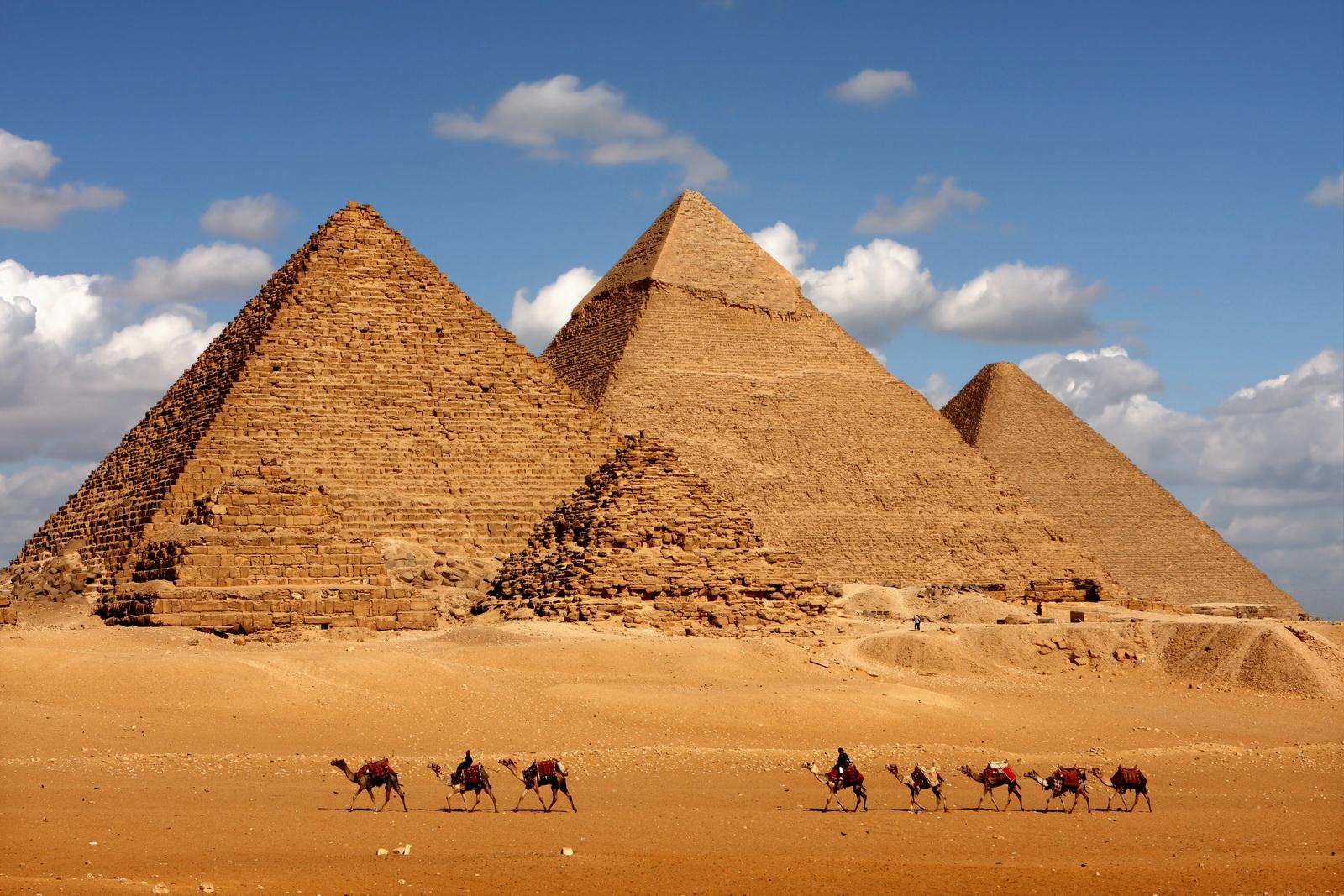 埃及金字塔里的神秘更是多彩多姿值得我们更进一步的